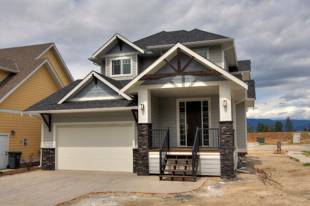 Main Photo: Kettle Valley Home