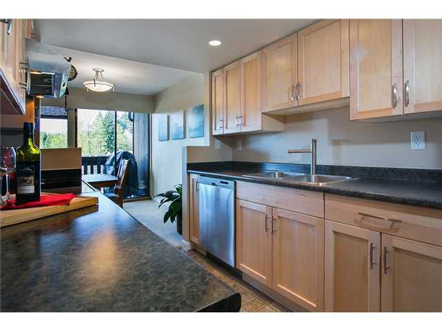 "Photo 3: Photos: 1009 OLD LILLOOET Road in North Vancouver: Lynnmour Condo for sale in ""Lynnmour West"" : MLS®# V1060053"
