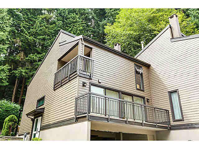 """Main Photo: 967 HERITAGE Boulevard in North Vancouver: Seymour NV Townhouse for sale in """"HERITAGE IN THE WOODS"""" : MLS®# V1095018"""