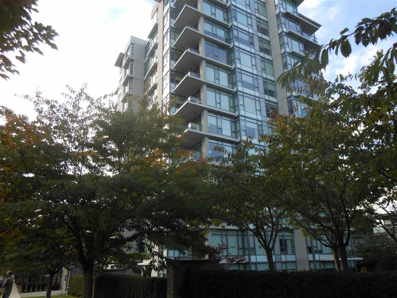"""Main Photo: 207 1333 W 11TH Avenue in Vancouver: Fairview VW Condo for sale in """"SAKURA"""" (Vancouver West)  : MLS®# R2006799"""