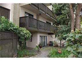 Main Photo: 205 110 SEVENTH Street in New Westminster: Uptown NW Condo for sale : MLS®# R2102190