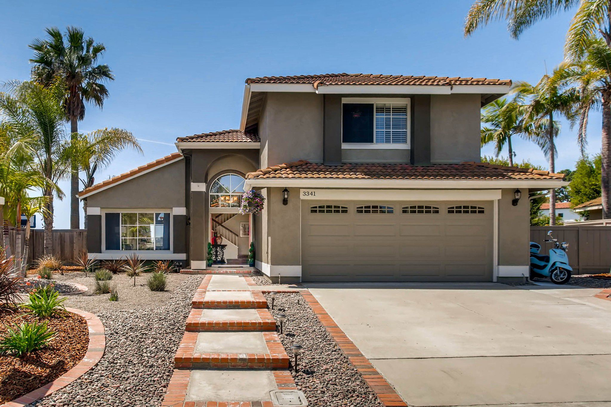 Main Photo: House for sale (San Diego)  : 5 bedrooms : 3341 Golfers Dr in Oceanside