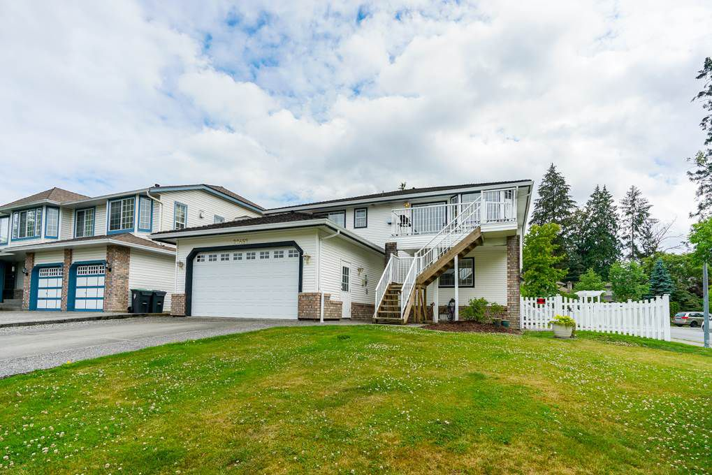 """Main Photo: 20452 97B Avenue in Langley: Walnut Grove House for sale in """"DERBY HILLS"""" : MLS®# R2288613"""
