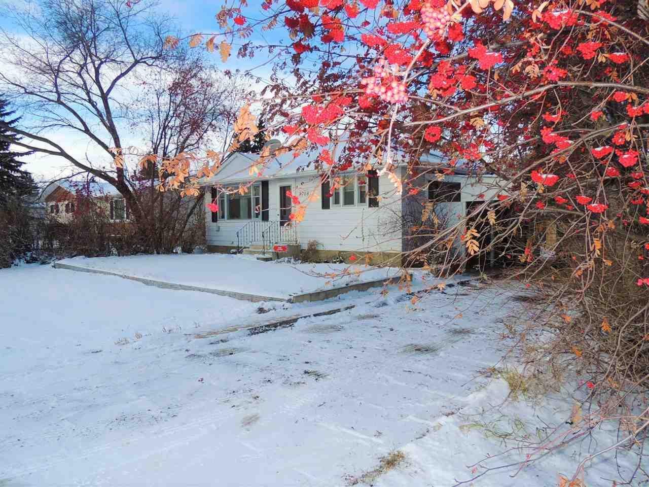Main Photo: 4708 51 Avenue: Waskatenau House for sale : MLS®# E4135338