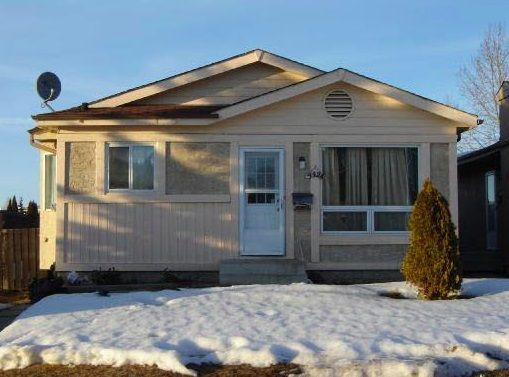 Main Photo: 4428 33A Avenue in Edmonton: Zone 29 House for sale : MLS®# E4140772