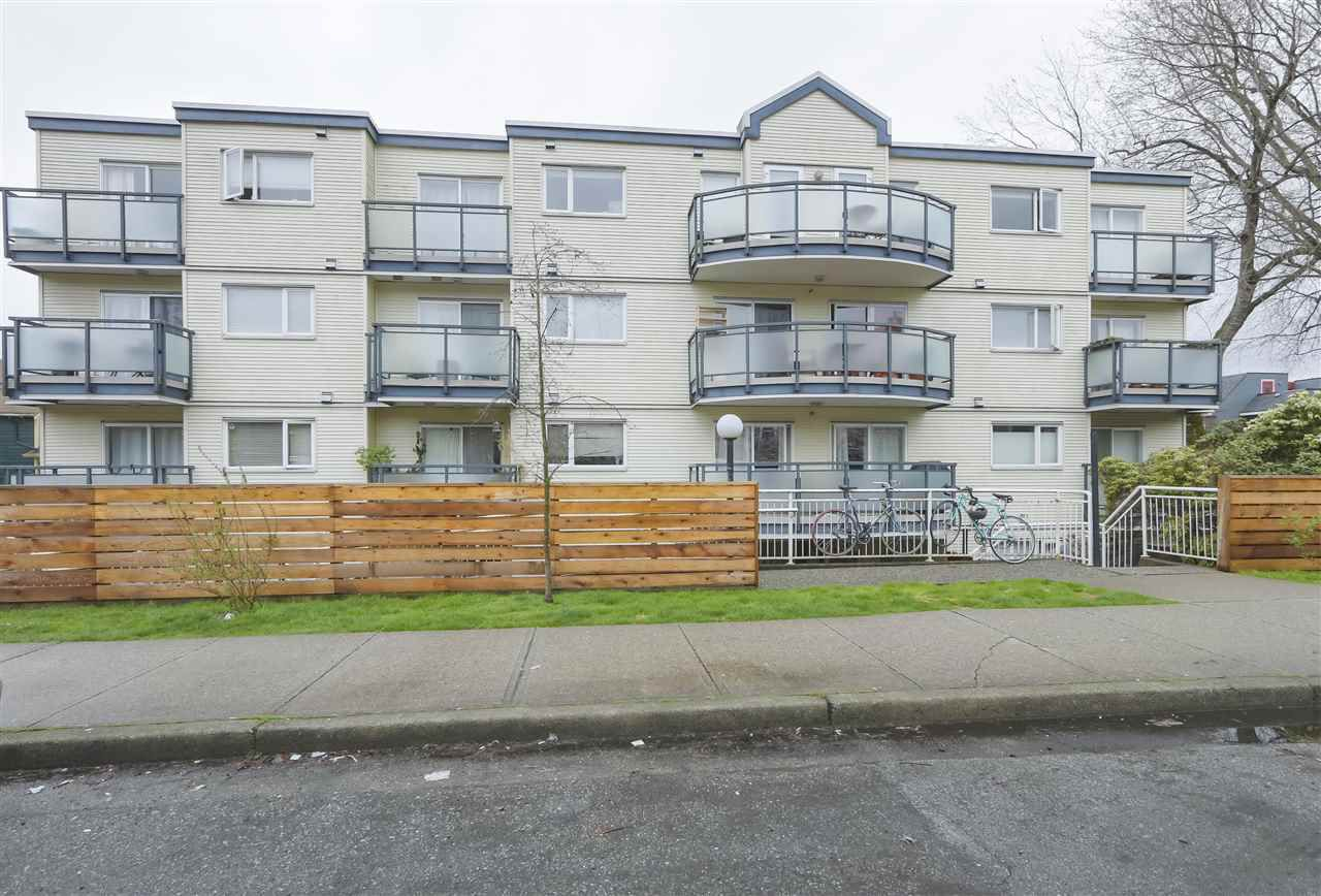 """Main Photo: 305 33 N TEMPLETON Drive in Vancouver: Hastings Condo for sale in """"33 NORTH"""" (Vancouver East)  : MLS®# R2356552"""