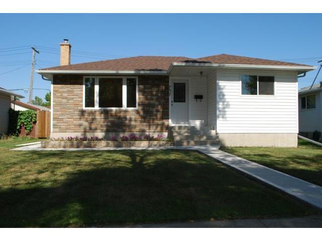 Main Photo: 757 Consol Avenue in WINNIPEG: East Kildonan Residential for sale (North East Winnipeg)  : MLS®# 1118673