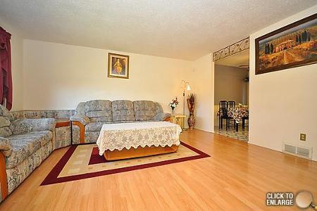 Photo 3: Photos: 181 Tu-Pelo Avenue in Winnipeg: Residential for sale (Valley Gardens)  : MLS®# 1109071