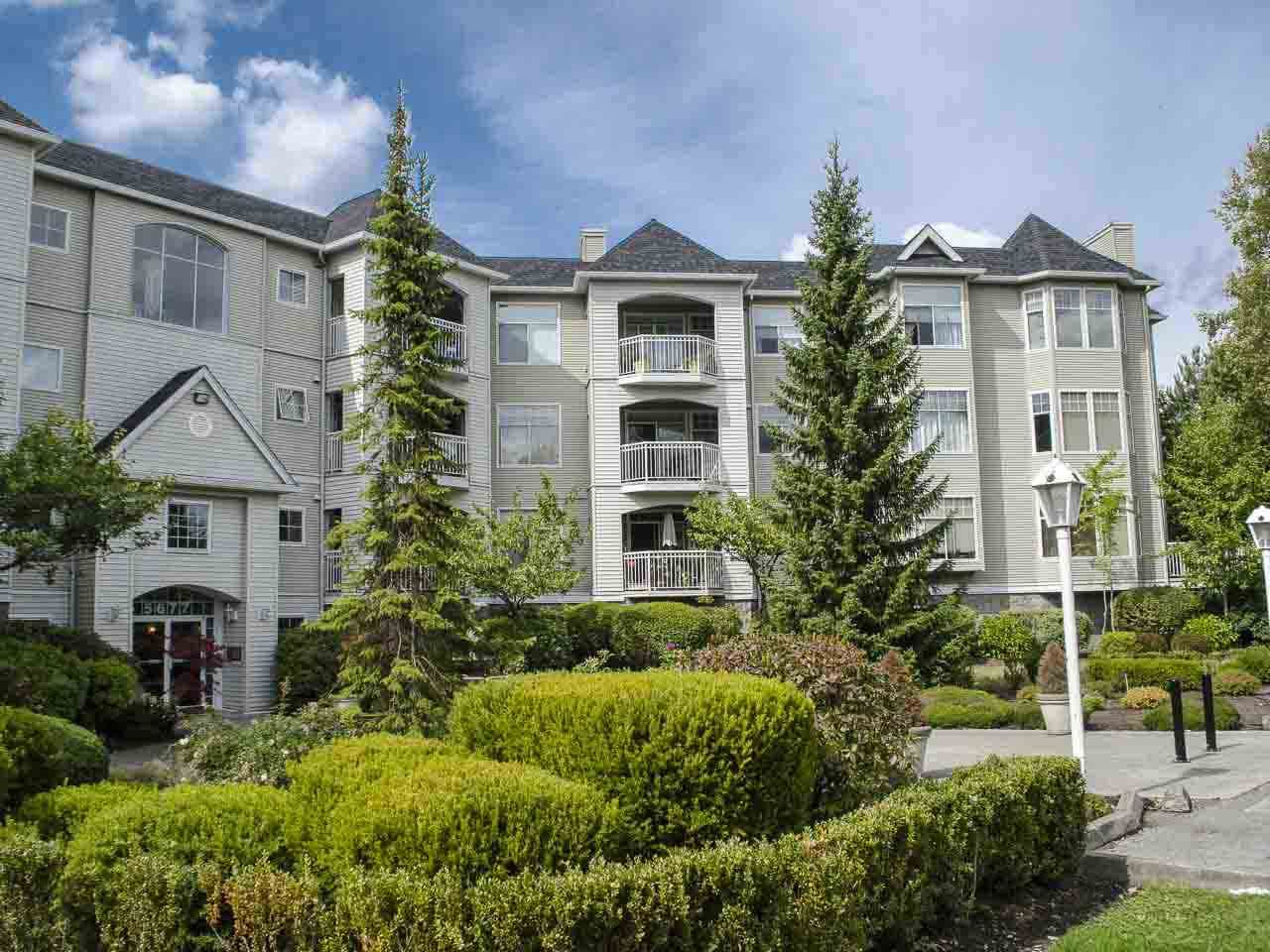 "Main Photo: 303 5677 208 Street in Langley: Langley City Condo for sale in ""IVY LEA"" : MLS®# R2000017"