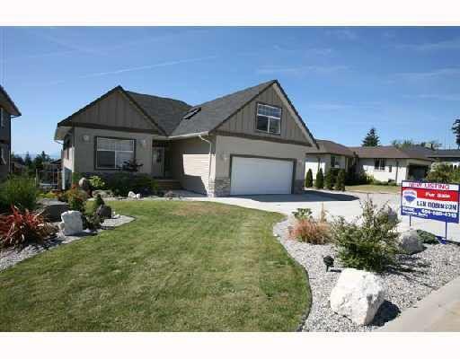 Main Photo: 6379 JASPER Road in Sechelt: Sechelt District House for sale (Sunshine Coast)  : MLS®# R2104151