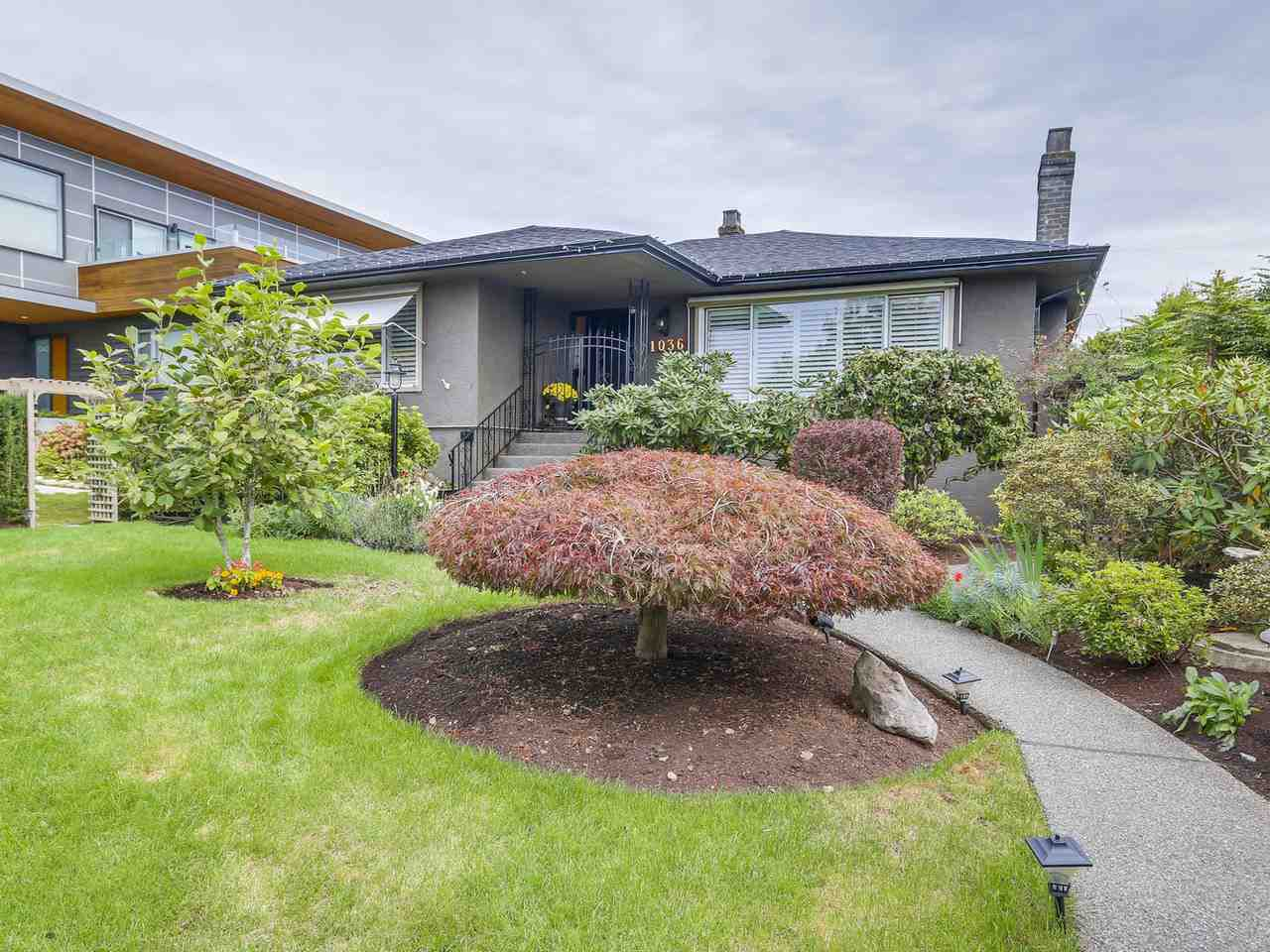 """Main Photo: 1036 GRAND Boulevard in North Vancouver: Boulevard House for sale in """"Grand Boulevard"""" : MLS®# R2109874"""