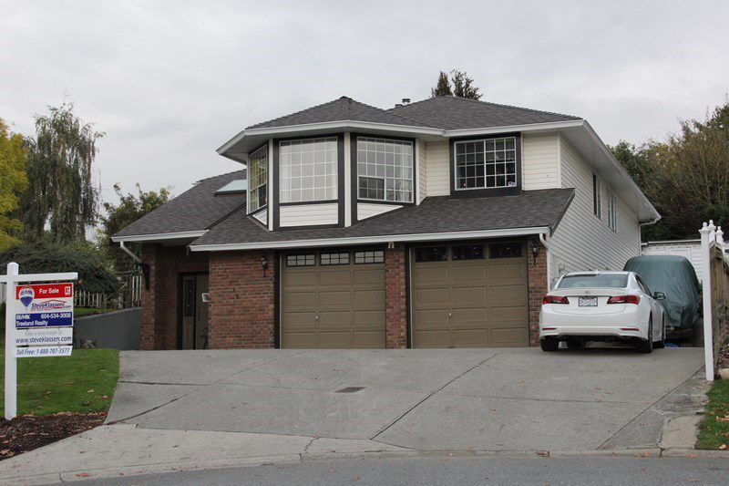 Main Photo: 34046 HIGGINSON Crescent in Abbotsford: Poplar House for sale : MLS®# R2114623