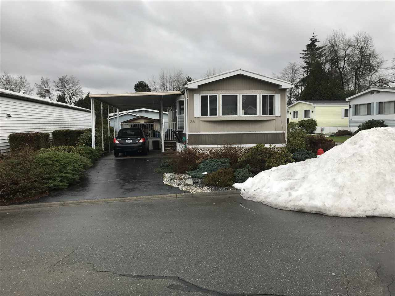 Main Photo: 26 13507 81 Avenue in Surrey: Queen Mary Park Surrey Manufactured Home for sale : MLS®# R2134405