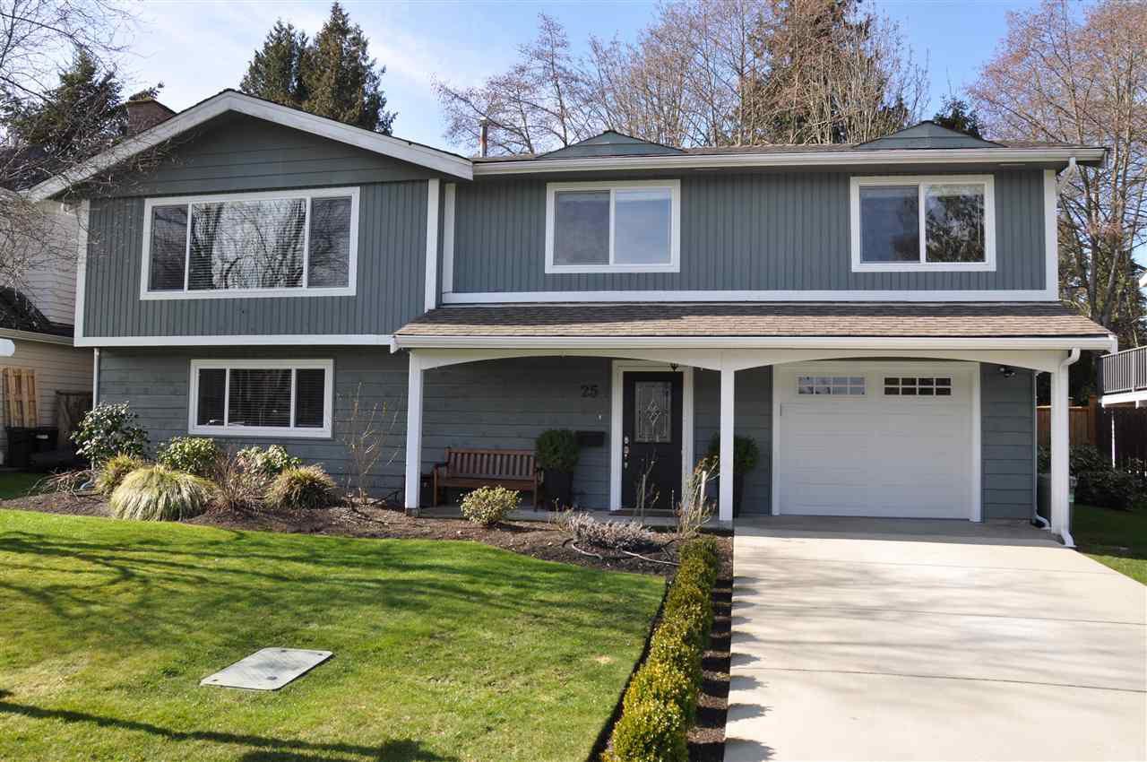 "Main Photo: 25 53 Street in Delta: Pebble Hill House for sale in ""PEBBLE HILL"" (Tsawwassen)  : MLS®# R2142844"