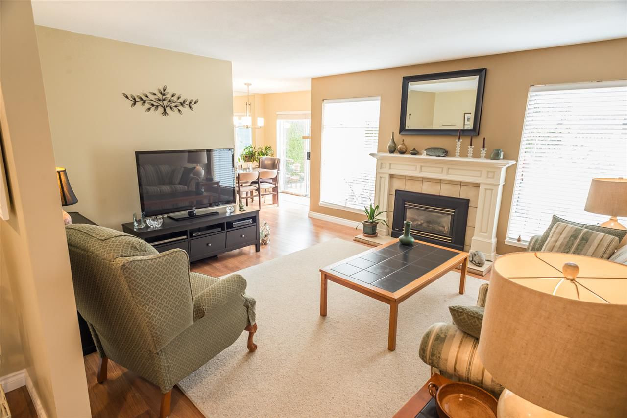 """Photo 4: Photos: 123 14271 18A Avenue in Surrey: Sunnyside Park Surrey Townhouse for sale in """"Ocean Bluff Court"""" (South Surrey White Rock)  : MLS®# R2166239"""