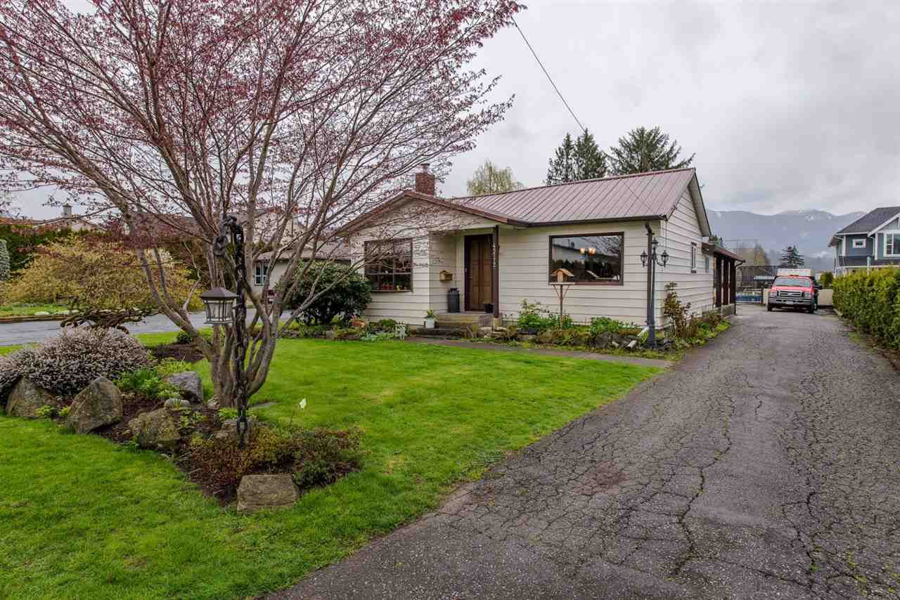 Main Photo: 45772 BRITTON Avenue in Sardis: Sardis East Vedder Rd House for sale : MLS®# R2185559