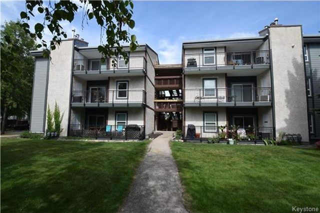 Main Photo: 122 Portsmouth Boulevard in Winnipeg: Tuxedo Condominium for sale (1E)  : MLS®# 1723061