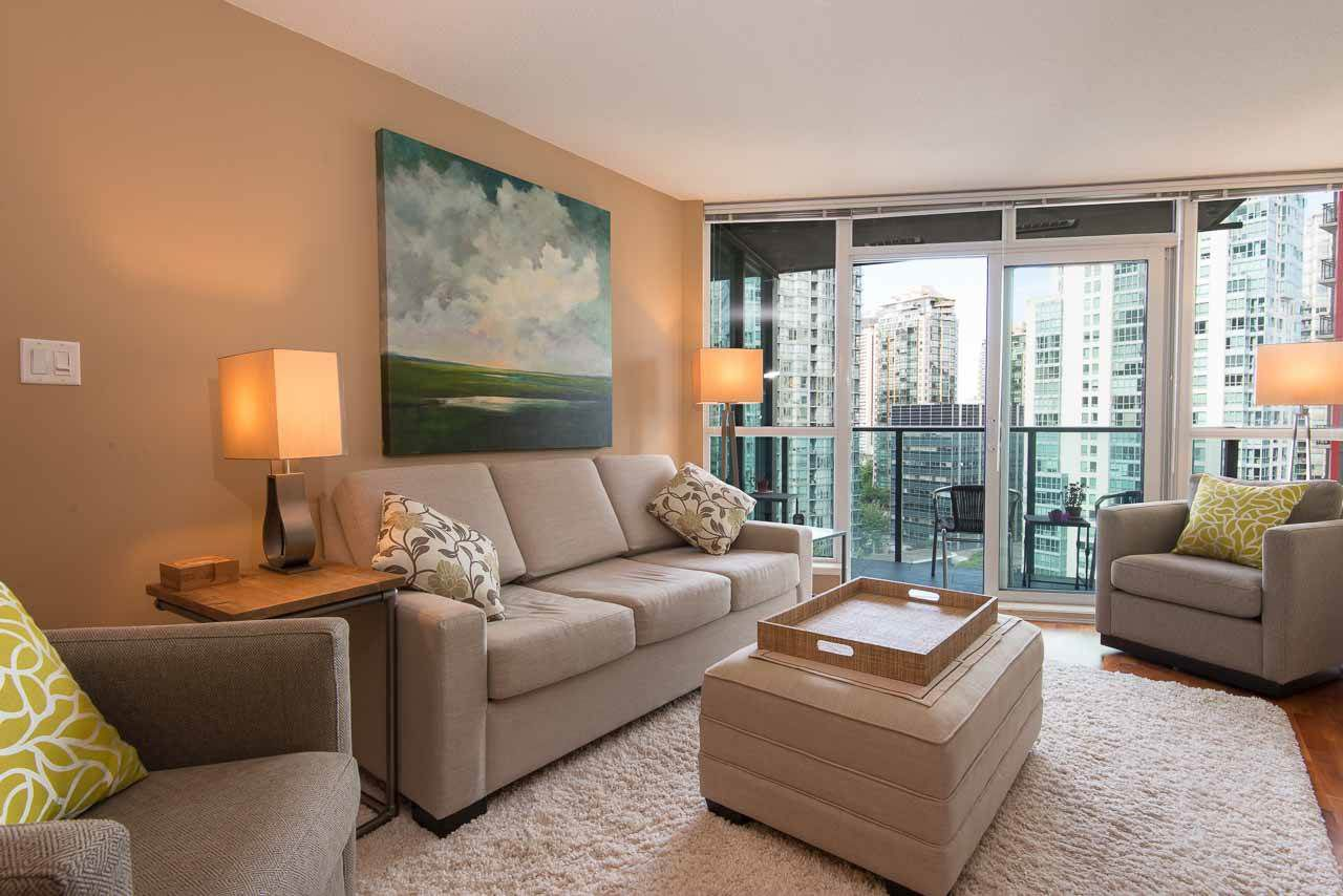 Main Photo: 1607 1189 MELVILLE STREET in Vancouver: Coal Harbour Condo for sale (Vancouver West)  : MLS®# R2199984
