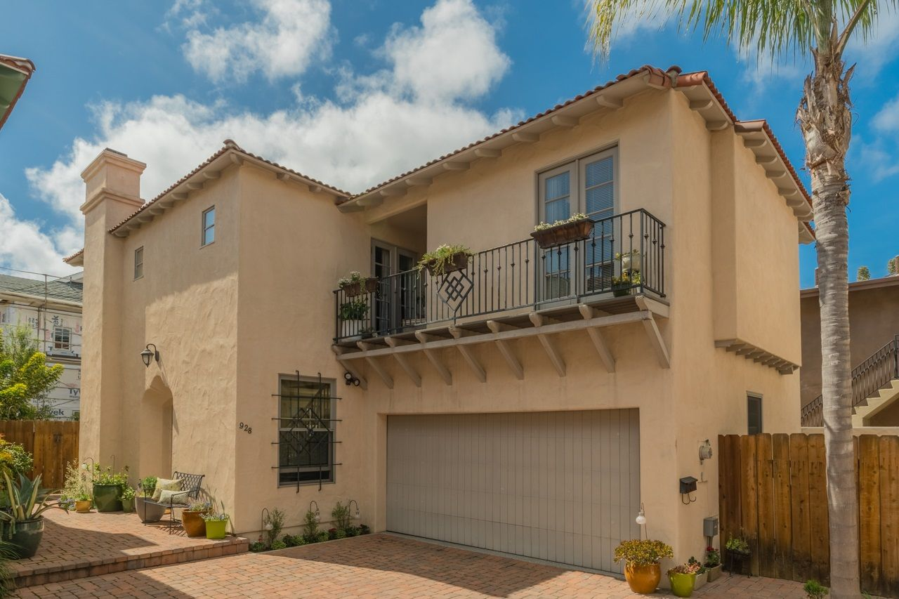 Main Photo: CORONADO VILLAGE House for sale : 4 bedrooms : 928 10th St in Coronado