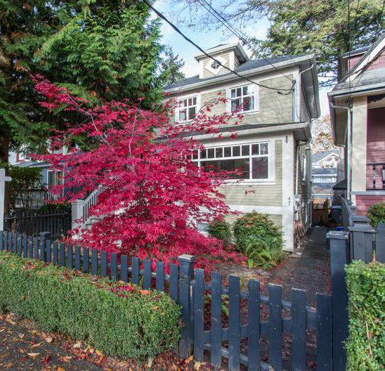 Main Photo: 47-49 W 14TH Avenue in Vancouver: Mount Pleasant VW House for sale (Vancouver West)  : MLS®# R2319371
