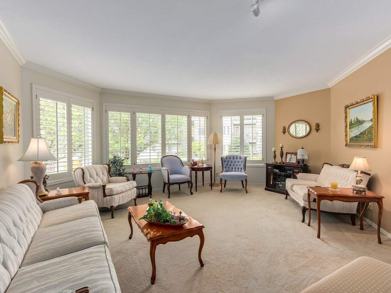 """Main Photo: 103 1327 BEST Street: White Rock Condo for sale in """"Chestnut Manor"""" (South Surrey White Rock)  : MLS®# R2329210"""
