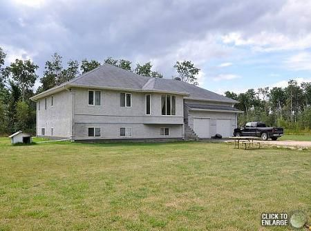 Main Photo: 131 BERG Drive in Mitchell: Residential for sale (Canada)  : MLS®# 1118687