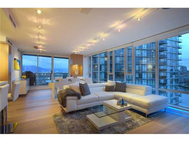 "Main Photo: 1203 918 COOPERAGE Way in Vancouver: Yaletown Condo for sale in ""THE MARINER"" (Vancouver West)  : MLS®# V1048985"