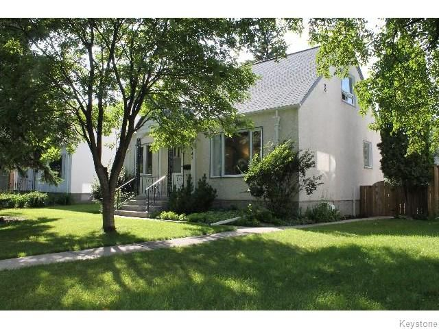 Main Photo: 547 Montague Avenue in WINNIPEG: Fort Rouge / Crescentwood / Riverview Residential for sale (South Winnipeg)  : MLS®# 1518841