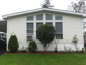 """Main Photo: 141 7790 KING GEORGE Boulevard in Surrey: East Newton Manufactured Home for sale in """"Crispen Bays"""" : MLS®# R2079564"""