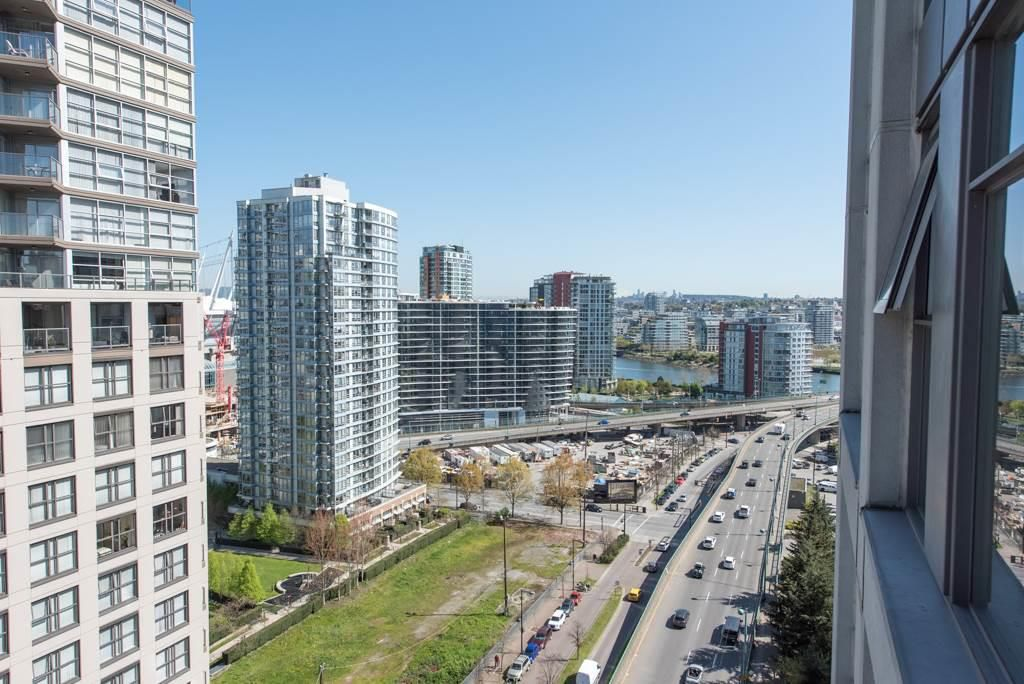 """Main Photo: 2903 1008 CAMBIE Street in Vancouver: Yaletown Condo for sale in """"Waterworks"""" (Vancouver West)  : MLS®# R2083276"""