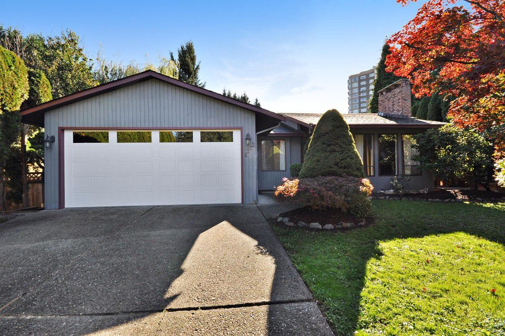 Main Photo: 3222 COMOX Court in Abbotsford: Central Abbotsford House for sale : MLS®# R2114867