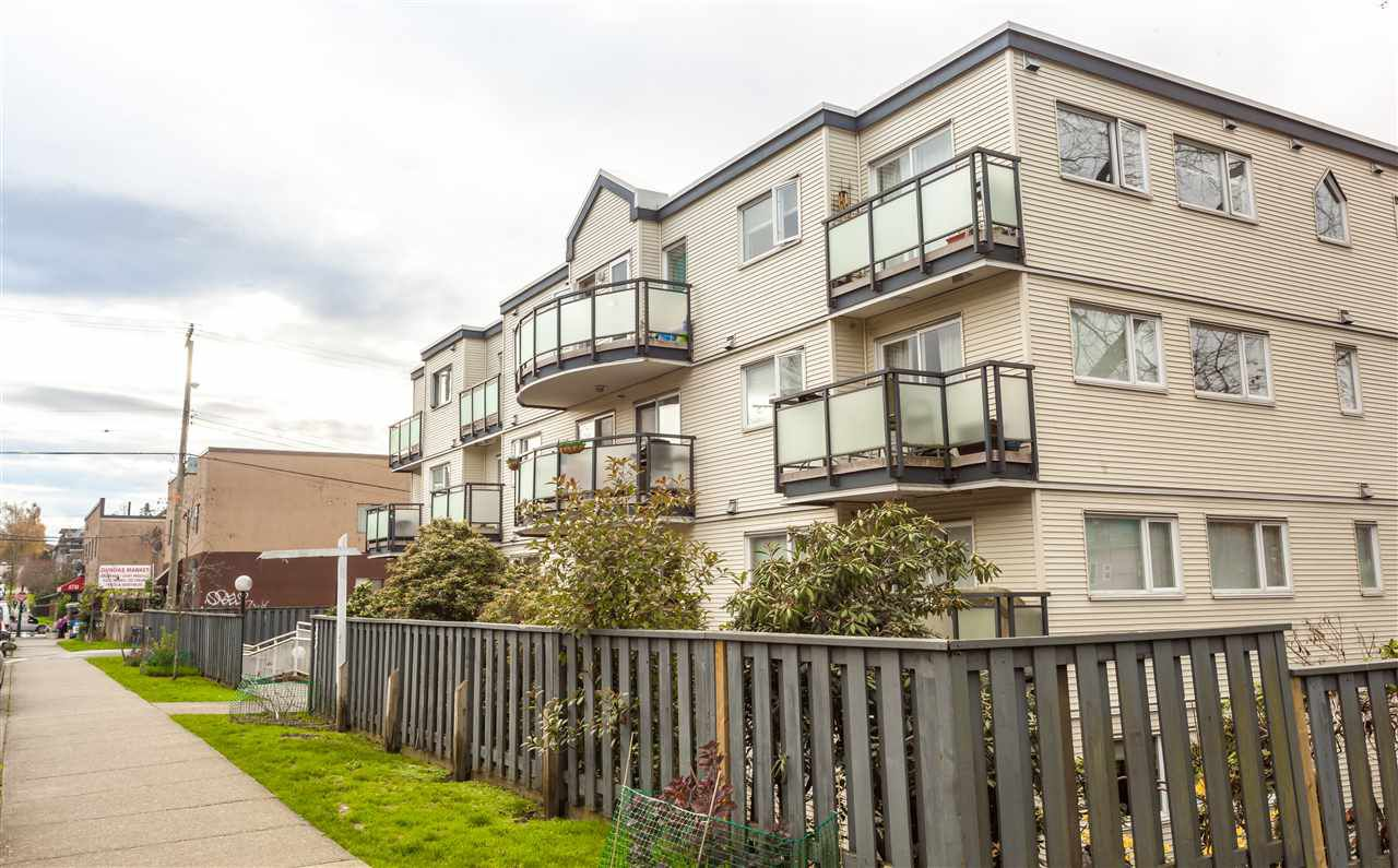 Main Photo: 101 33 N TEMPLETON Drive in Vancouver: Hastings Condo for sale (Vancouver East)  : MLS®# R2126513