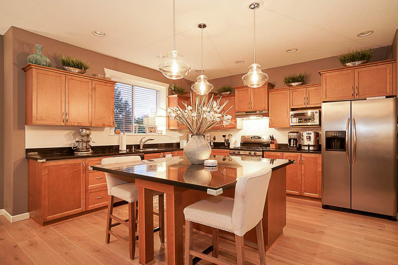 """Photo 5: Photos: 15594 113 Avenue in Surrey: Fraser Heights House for sale in """"The Vistas"""" (North Surrey)  : MLS®# R2225856"""