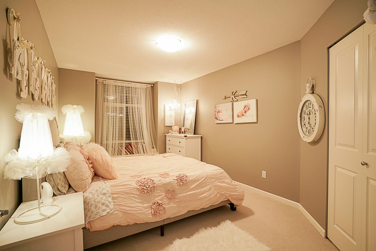 """Photo 13: Photos: 15594 113 Avenue in Surrey: Fraser Heights House for sale in """"The Vistas"""" (North Surrey)  : MLS®# R2225856"""