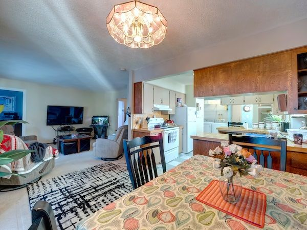 Photo 7: Photos: 5803 ANCHOR Road in Sechelt: Sechelt District House for sale (Sunshine Coast)  : MLS®# R2242489