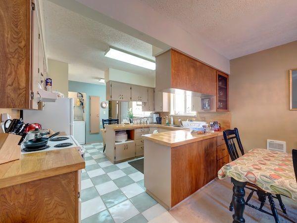 Photo 5: Photos: 5803 ANCHOR Road in Sechelt: Sechelt District House for sale (Sunshine Coast)  : MLS®# R2242489