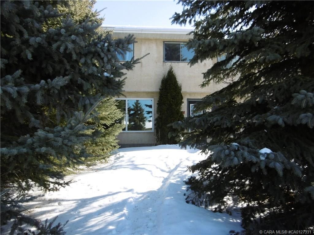 Main Photo: 5315 46 Street in Rimbey: RY Rimbey Residential for sale (Ponoka County)  : MLS®# CA0127331