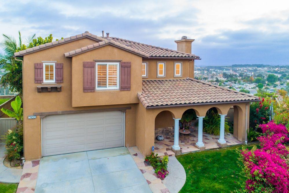 Main Photo: LA MESA House for sale : 4 bedrooms : 7400 HARTFORD CT