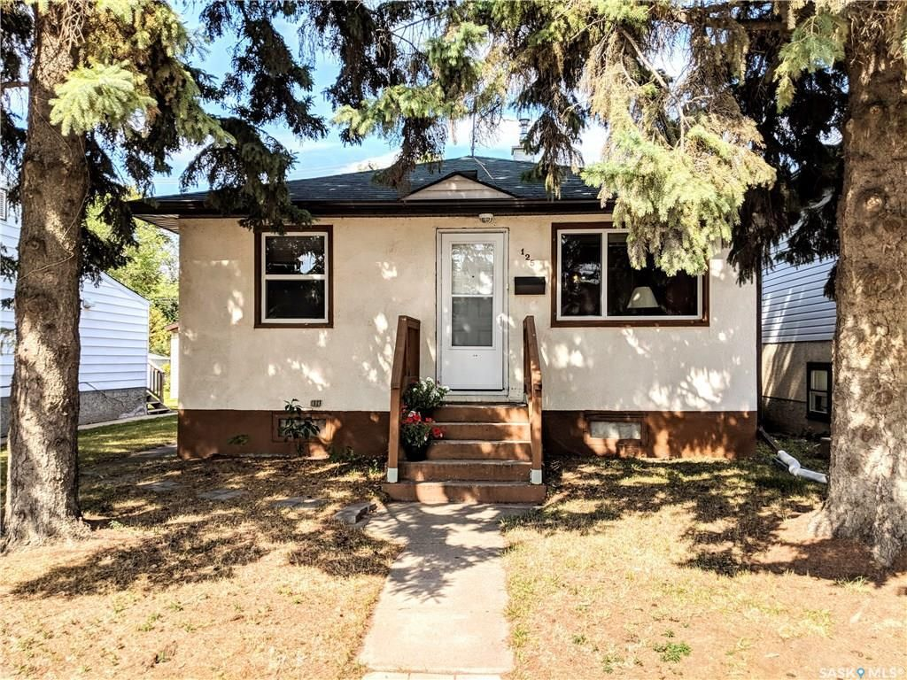 Main Photo: 125 Ruth Street East in Saskatoon: Exhibition Residential for sale : MLS®# SK746010