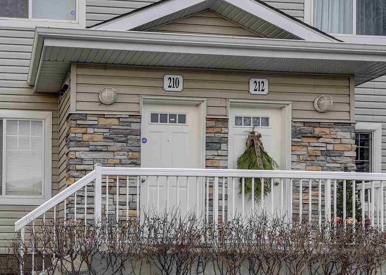 Main Photo: 210 420 Cranberry Way: Sherwood Park Carriage for sale : MLS®# E4137513