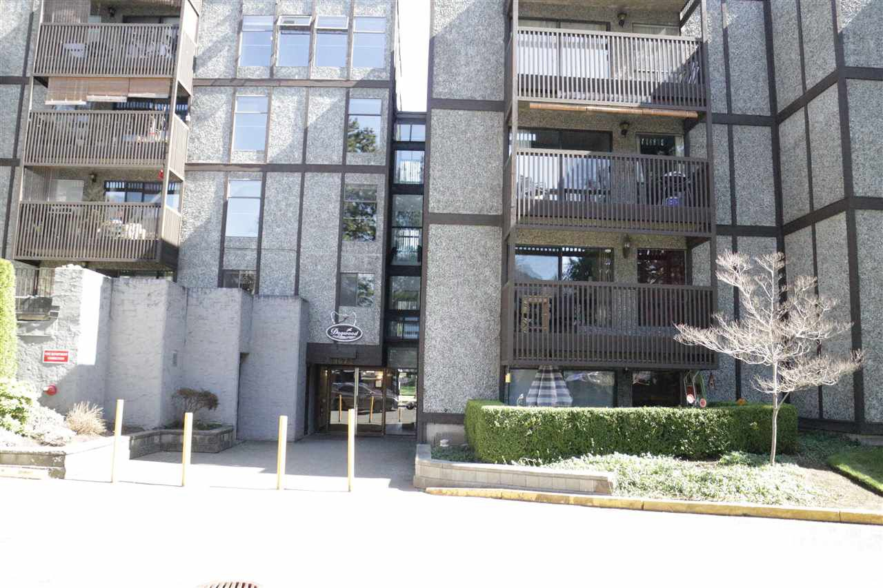 """Main Photo: 118 9672 134 Street in Surrey: Whalley Condo for sale in """"PARKWOODS"""" (North Surrey)  : MLS®# R2352921"""
