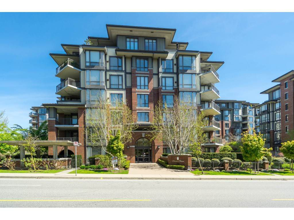 """Main Photo: 101 1580 MARTIN Street: White Rock Condo for sale in """"SUSSEX HOUSE"""" (South Surrey White Rock)  : MLS®# R2364735"""