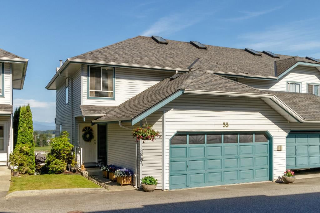 "Main Photo: 33 1355 CITADEL Drive in Port Coquitlam: Citadel PQ Townhouse for sale in ""CITADEL MEWS"" : MLS®# R2380297"