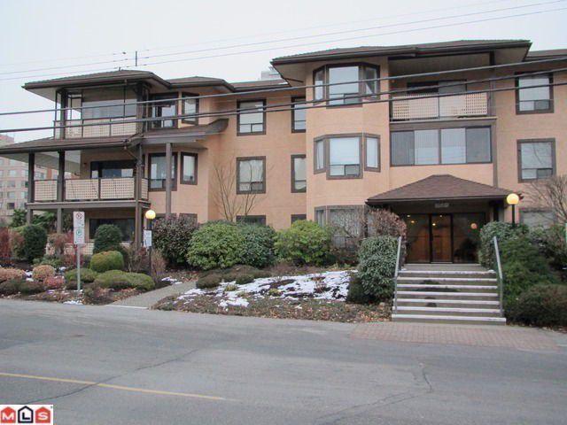 """Main Photo: 101 1460 MARTIN Street: White Rock Condo for sale in """"CAPISTRANO"""" (South Surrey White Rock)  : MLS®# F1205256"""