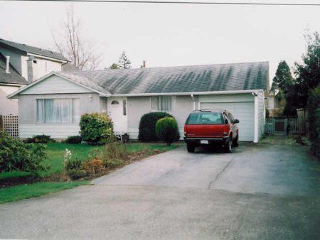 Main Photo: Clean & Cozy Rancher On Subdividable Lot