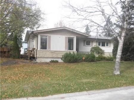 Main Photo: 50 Tunis Bay in Winnipeg: Residential for sale (Canada)  : MLS®# 1203006