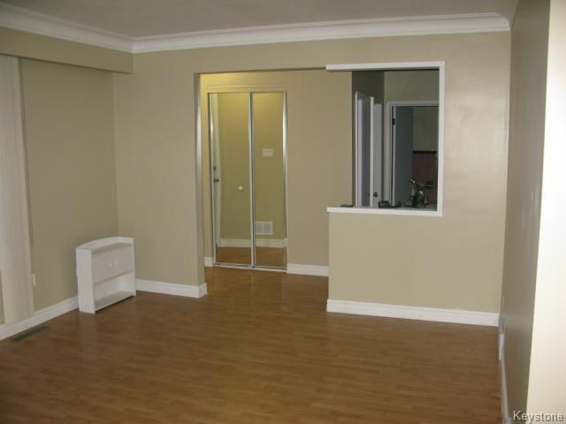 Photo 4: Photos: 378 Colvin Avenue in WINNIPEG: North Kildonan Single Family Detached for sale (North East Winnipeg)  : MLS®# 1321361