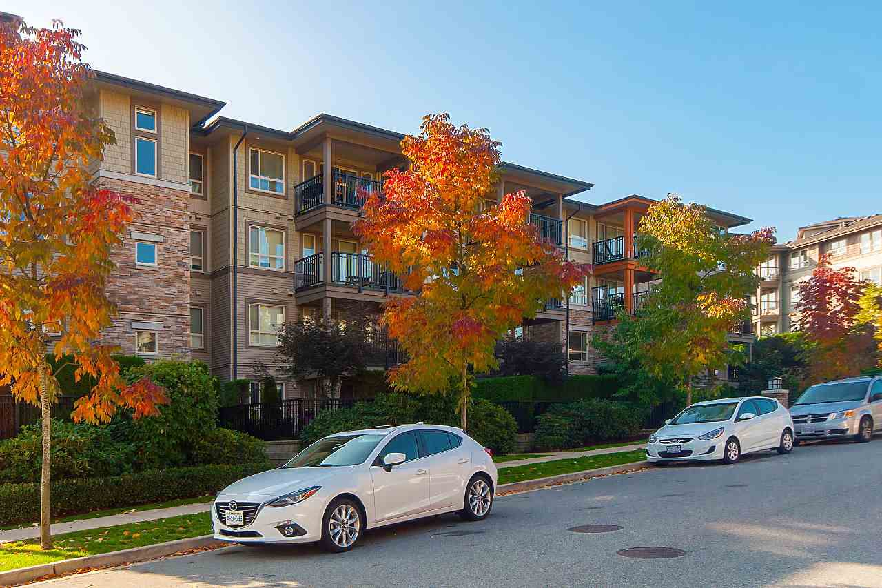 Main Photo: 407 3156 Dayanee Springs Boulevard in Coquitlam: Westwood Plateau Condo for sale : MLS®# R2331686