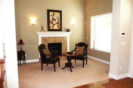 Photo 4: Photos: TRADITIONAL PLAN WITH CRAFTSMAN STYLING