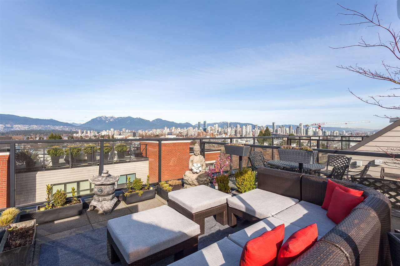 Main Photo: 3 1950 W 5TH AVENUE in Vancouver: Kitsilano Townhouse for sale (Vancouver West)  : MLS®# R2039218